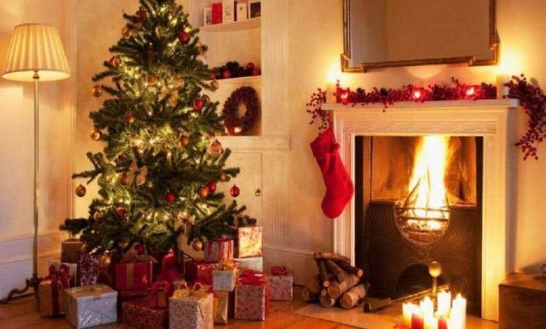 Les gens qui installent des décorations de Noël tôt sont plus heureux: étude
