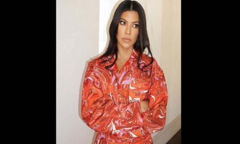 Les masques faciaux peuvent causer le cancer, selon Kourtney Kardashian