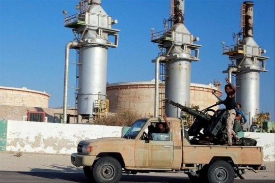 Libye : forte baisse des revenus pétroliers en septembre et octobre