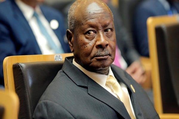 Ouganda : le président Museveni, 76 ans, va briguer un 6e mandat après 34 ans au pouvoir