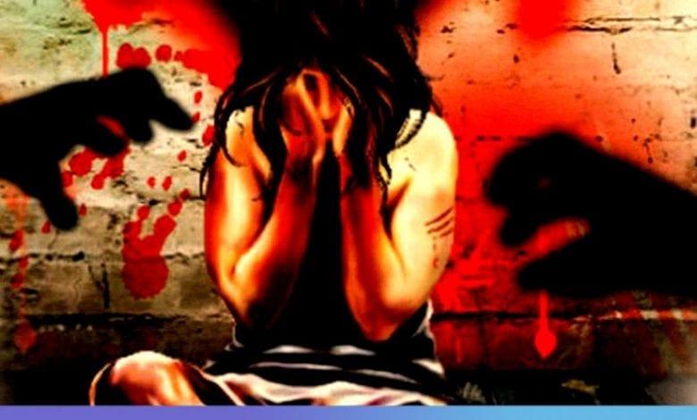 Une femme de 47 abuse d'un homme de 31 ans pendant 36h d'affilée
