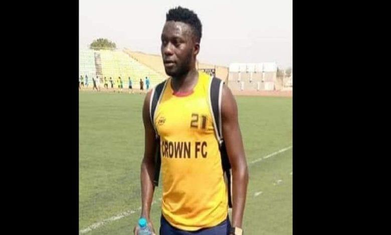 Un footballeur nigérian s'effondre et meurt lors d'un match amical