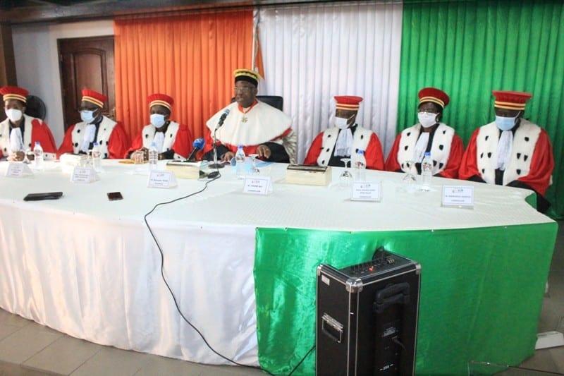 Un prêtre à la Cours constitutionnelle ivoirienne: « vous avez l'occasion de sauver les meubles comme fut au Kenya et au Malawi en annulant les résultats »