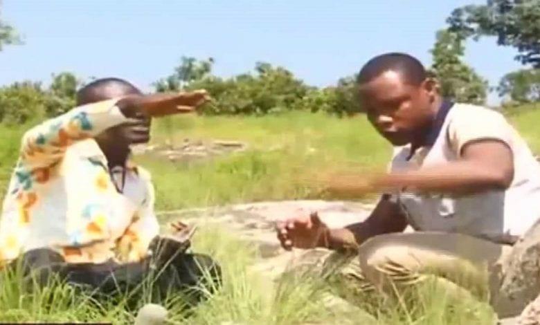 Vidéo d'un homme qui démontre que Jésus-Christ a été enterré au Ghana avec des preuves