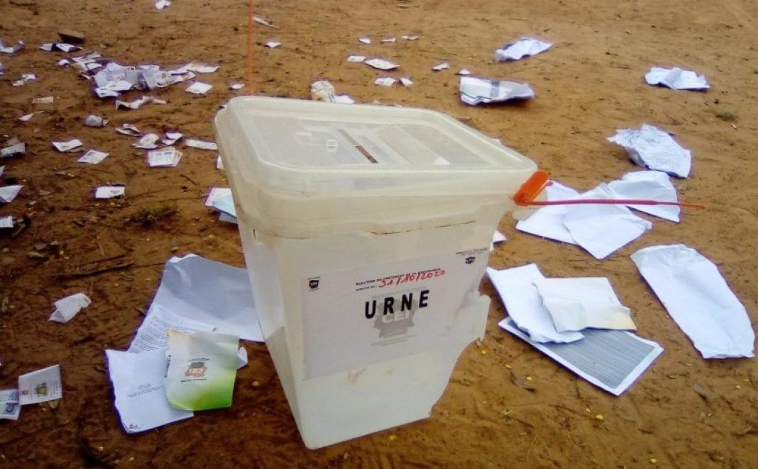 Violences meurtrières, boycott de l'opposition : la crise électorale ivoirienne en 6 points