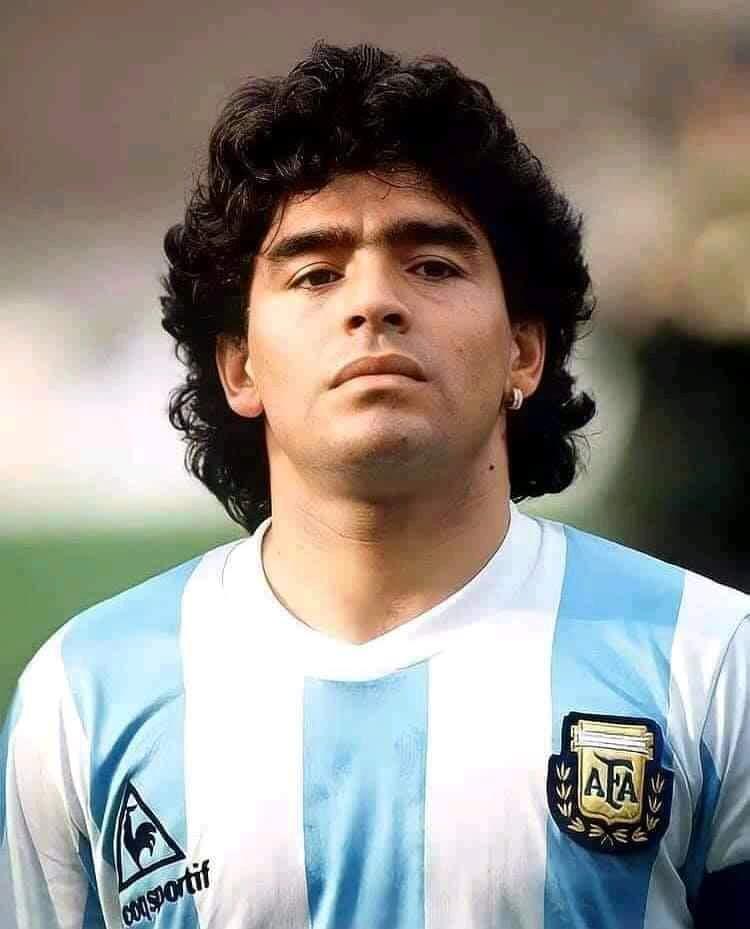 La légende du foot Diego Maradona est mort !