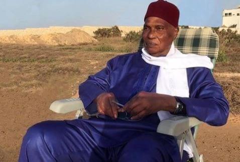 Annoncé mort par Rfi, l'ancien président du Sénégal Abdoulaye Wade donne signe de vie