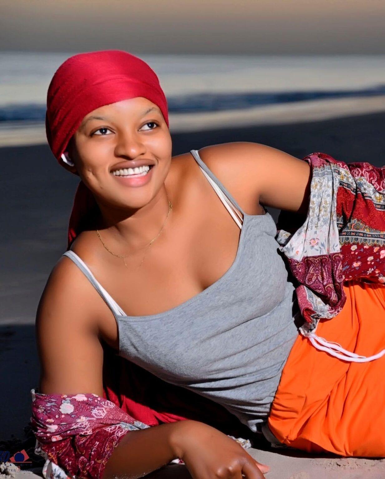 Balade à la plage : L'actrice Adjara fait perdre la pédale aux internautes avec ses clichés hots (Photos)