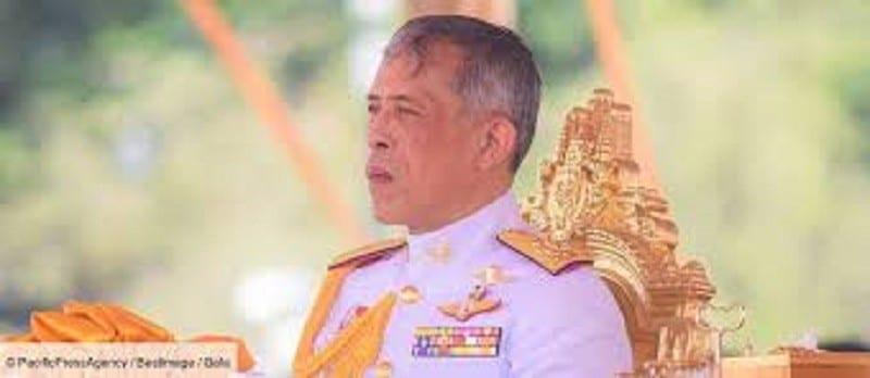 Thaïlande : cette image de la maîtresse du roi affole la toile