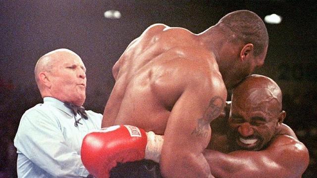 Mike Tyson: voici pourquoi le bosseur a arraché l'oreille d'Evander Holyfield