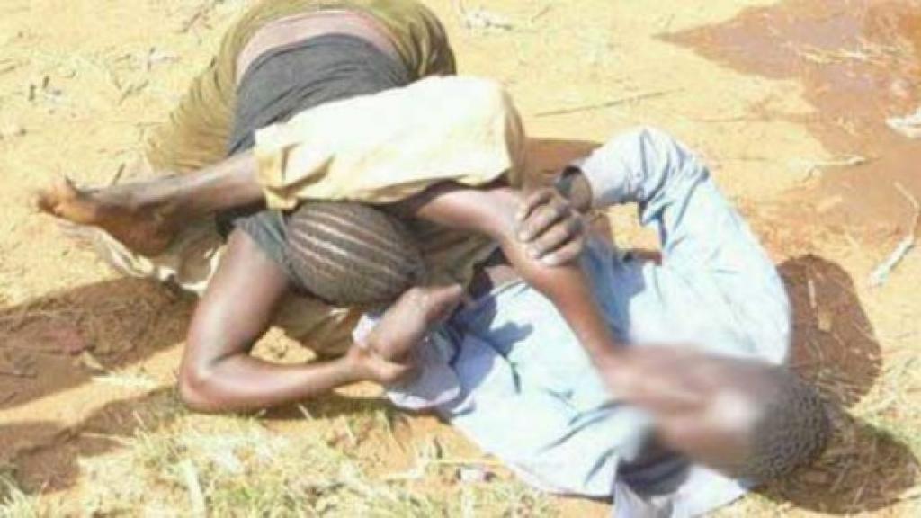 Une femme mariée s'attaque aux parties intimes de son violeur et se sauve