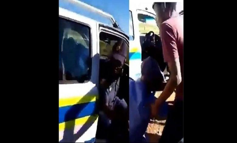 Afrique du Sud: un policier ivre arrêté après avoir volé une voiture de police (Vidéo)