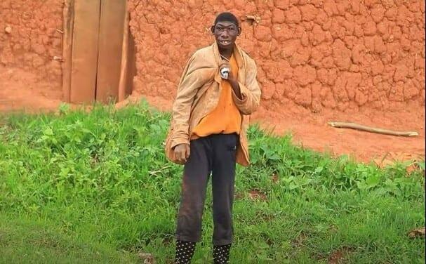 Bonne nouvelle pour Ellie, le jeune rwandais qui mange de l'herbe et vit dans la forêt