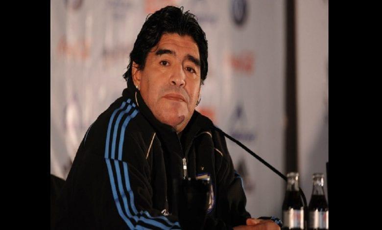 """""""Diego Maradona est tombé et s'est cogné la tête avant de mourir"""", son infirmière fait de troublantes révélations"""