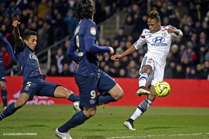 Football-ligue 1: PSG épinglé à domicile par l'OL.