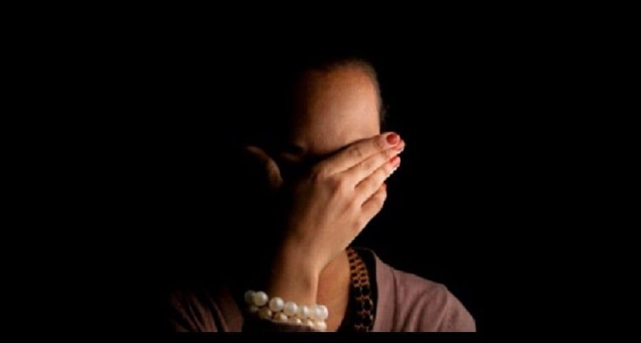 Scandale: Une femme mariée vient de se faire voler ses vidé0s nues