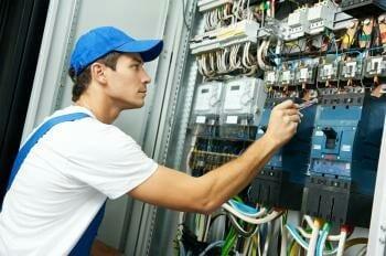 Recrutement des Techniciens Confirmés Électriciens ( H / F ) au Congo