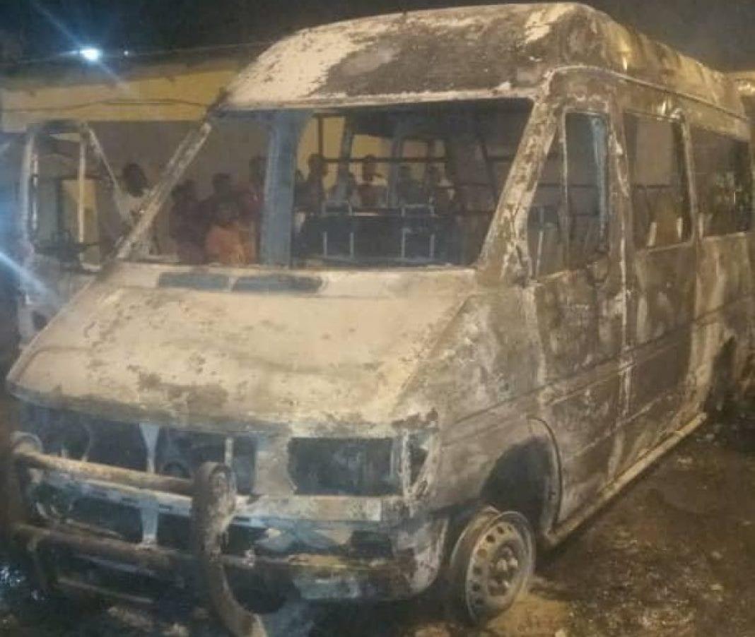 Incendie à Yopougon : cinq véhicules calcinés