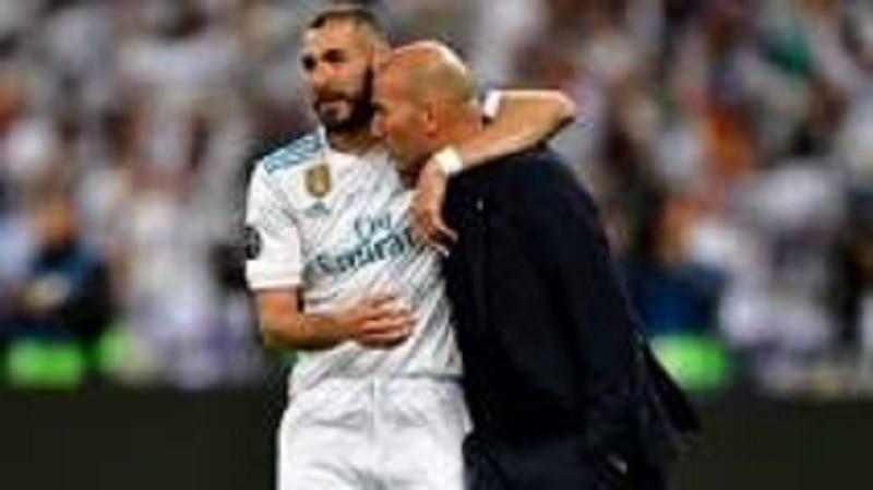 » Karim Benzema est le meilleur attaquant français de l'histoire «, dixit Zidane