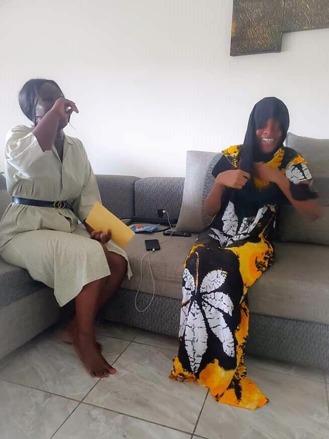 Malgré le deuil, Eunice Zunon arrache le sourire à Sarra Messan