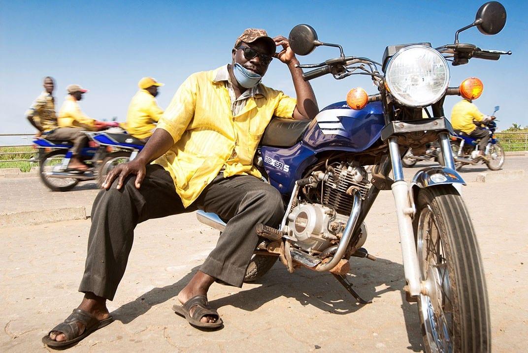 Bénin : Un zémidjan ivre donne sa moto à un voleur