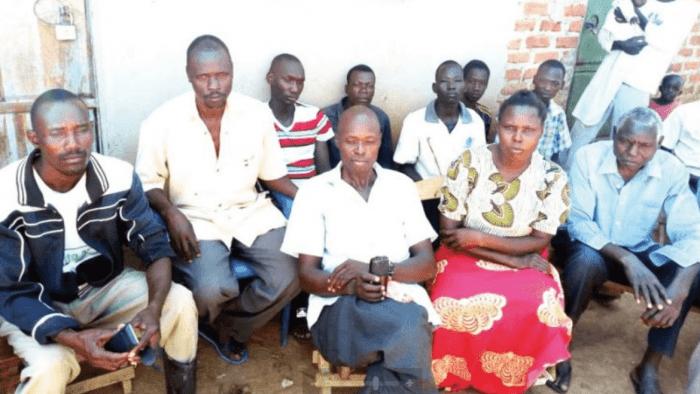 Ouganda :une fille de pasteur épouse trois hommes après une déceptionamoureuse