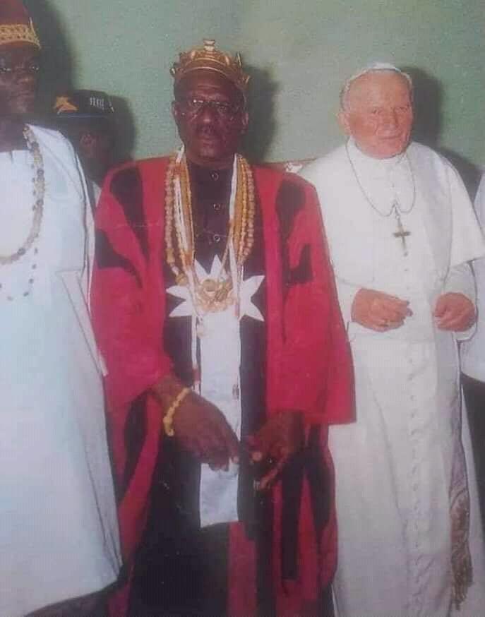 Bénin : Sossa Guedehoungé, le prêtre vaudou qui a rencontré Jean Paul 2