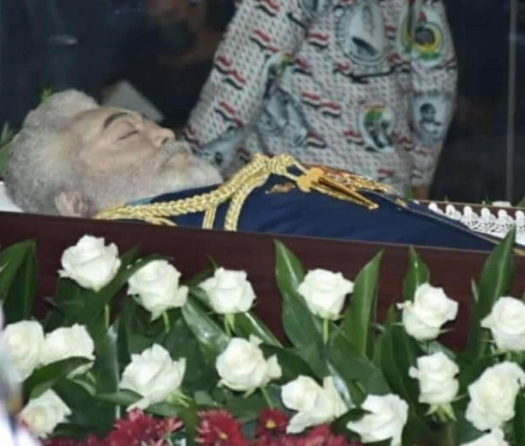 Ghana : Voici l'une des dernières photos de J.J Rawlings dans son cercueil