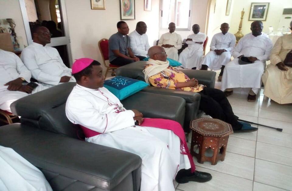 Mgr Kpodzro envoie une lettre à l'archevêque Nicodème Barrigah-Benissan