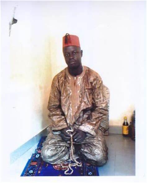 Togbui Zewouto traite tous les Africains de fous