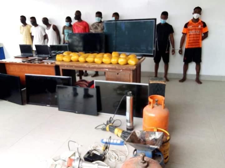 Togo : la Police arrête 09 malfaiteurs (photos)