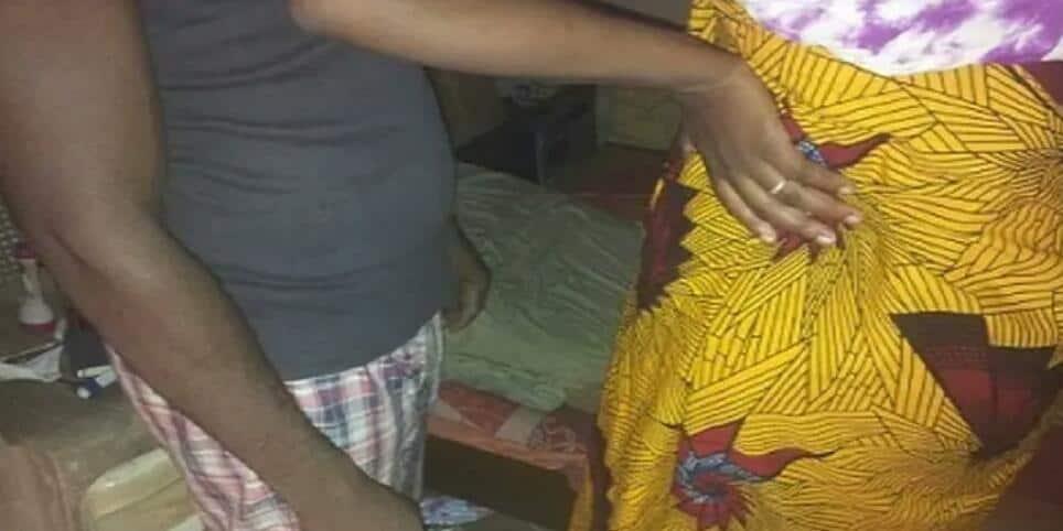Togo : un père surprend sa femme au lit avec son fils