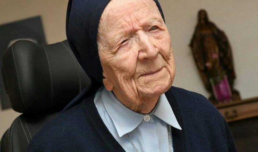 A 117 ans, la sœur André a vaincu le Covid-19