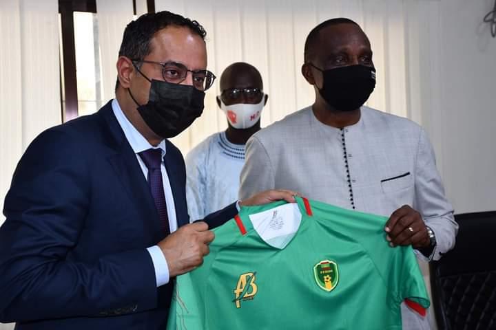 Caf/Élection: Le Candidat Ahmed Yahya En Visite À Conakry
