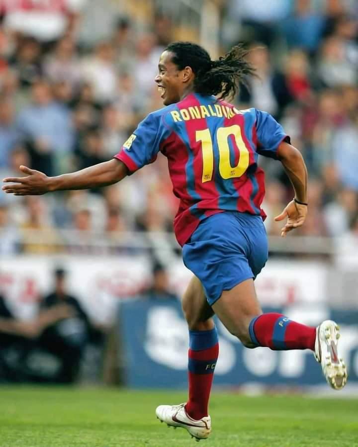 Barcelone/ Ronaldinho se souvient de son passage chez les braugrana