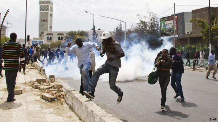 Les Premières Manifestations Éclatent À Dakar, Pro Sonko Et Forces De L'ordre S'affrontent
