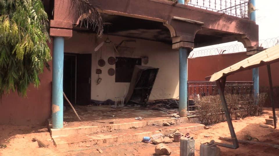 La Maison Du Correspond De Rfi Au Niger, Moussa Kaka Est Incendiée (Photos)