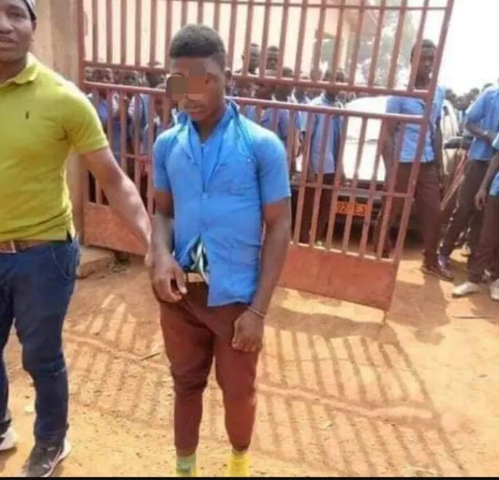 Cameroun : Un élève bat le surveillant général et le proviseur de son école