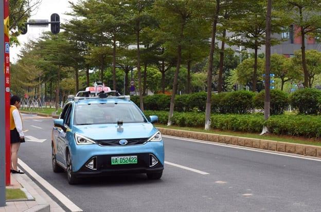 Des Taxis Sans Chauffeur Roulent En Chine