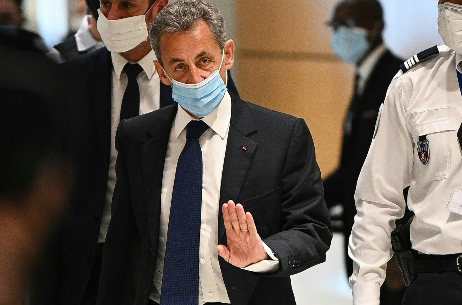 France : Condamné, Nicolas Sarkozy Brise Le Silence