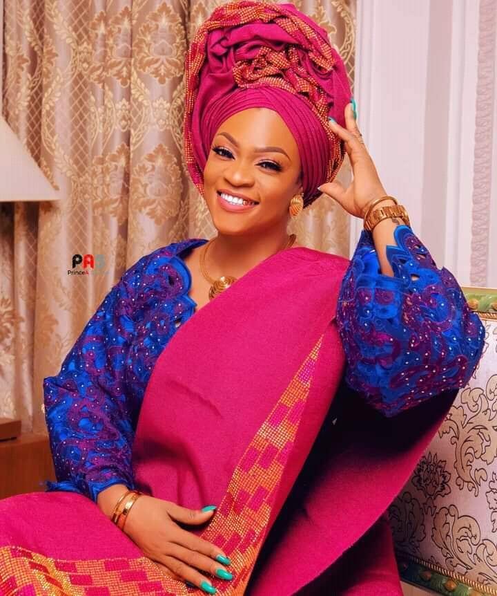 Bénin : la chanteuse Zeynab s'en prend à ses détracteurs