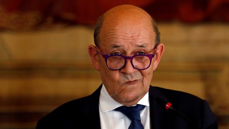 Jean-Yves Le Drian : Poutine « parfois dangereux » et « encombrant »