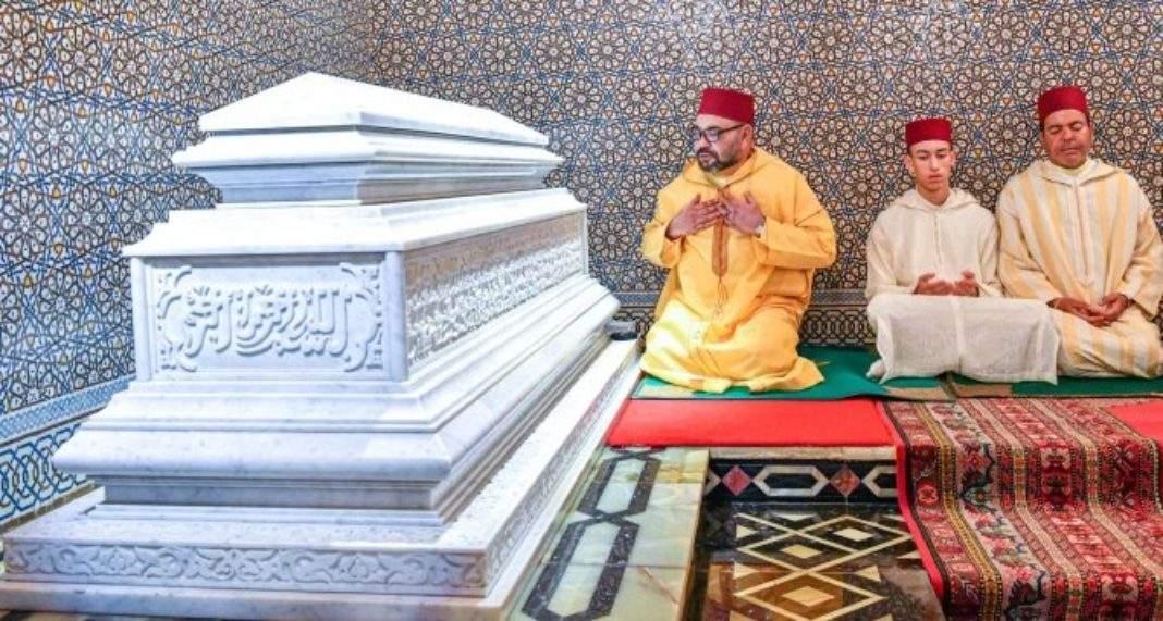 Ce Déplacement De Mohammed Vi Avec Moulay Hassan Et Moulay Rachid