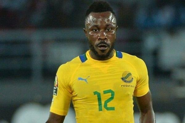 Gabon : le footballeur né en 1990 et dont la mère serait décédée en 1986 fait l'objet d'une enquête