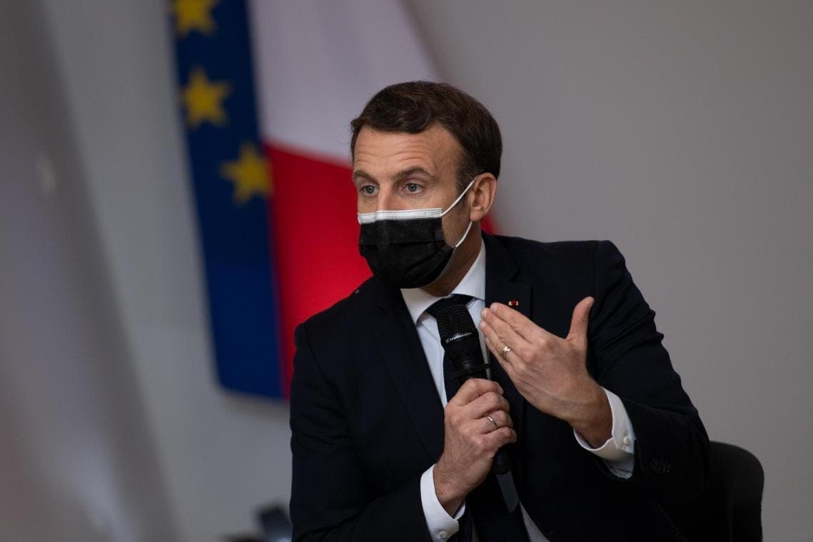 Urgent/ Emmanuel Macron giflé par un homme en public (vidéo)
