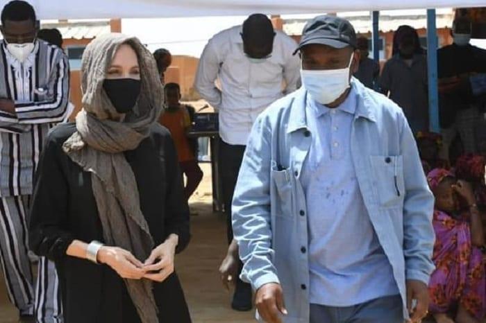 Angelina Jolie : La Célèbre Actrice Est En Afrique Pour Des Causes Humanitaires