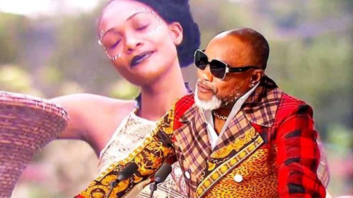 Koffi Olomidé Exige La Vaccination Anti-Covid Pour Assister À Son Concert
