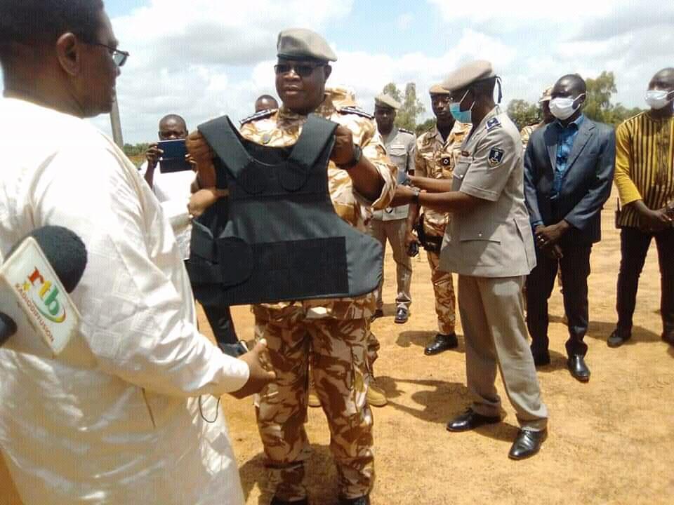 Burkina Faso : La Police Nationale Équipée En Matériel De Combat