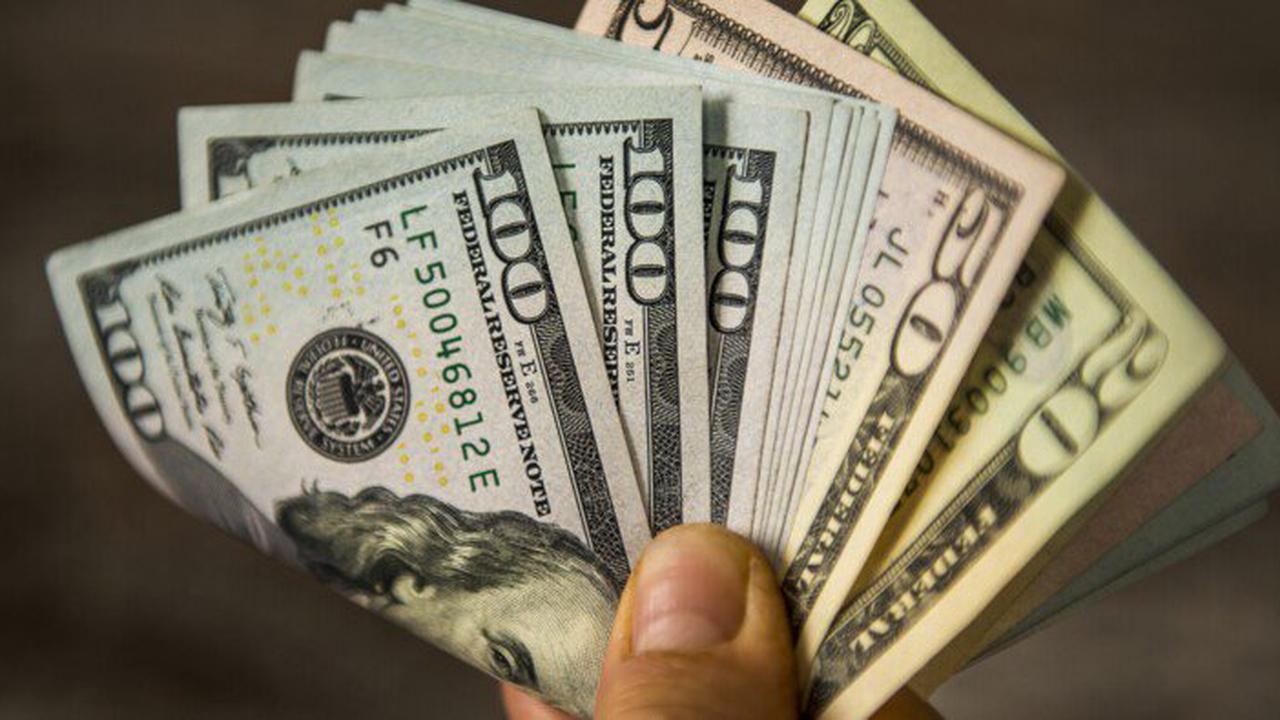 Une Banque Américaine Verse Par Erreur 50 Milliards De Dollars À Un Couple